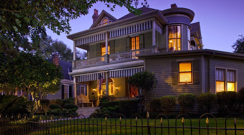 Devereaux Shields House, a Historic B&B in Natchez